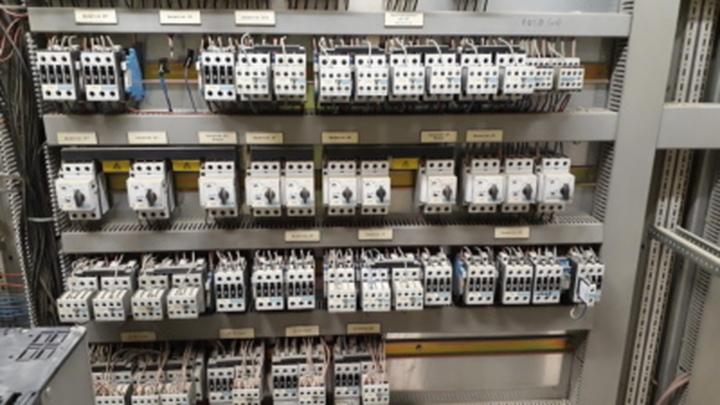 industrie schaltschrank 01 1597952822651.jpg